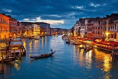 ۱۱ مکان رمانتیک در اروپا برای سفرهای خاص!