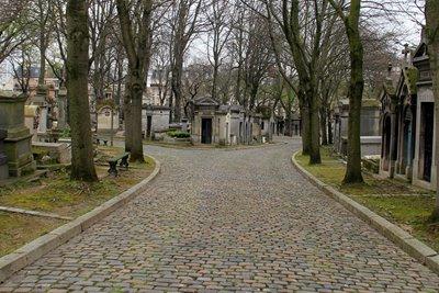 قبرستان پرلاشز و مقبرههای معروف پاریس