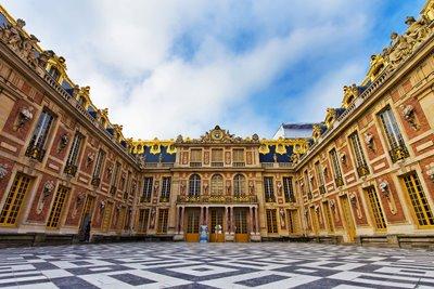 کاخ ورسای در همسایگی پاریس
