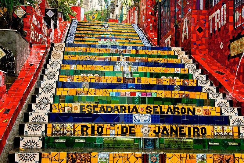 پلههای رنگارنگ اسکاداریا سِلاریَن ریو