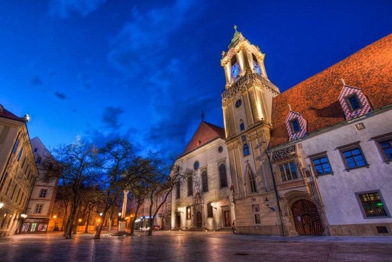 جاذبه های گردشگری براتیسلاوا اسلواکی