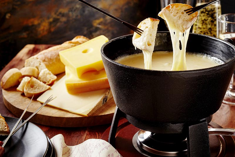 فوندوی پنیر سوئیسی