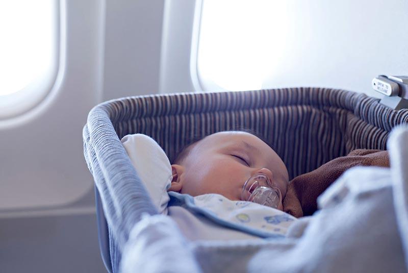 پرواز با نوزاد