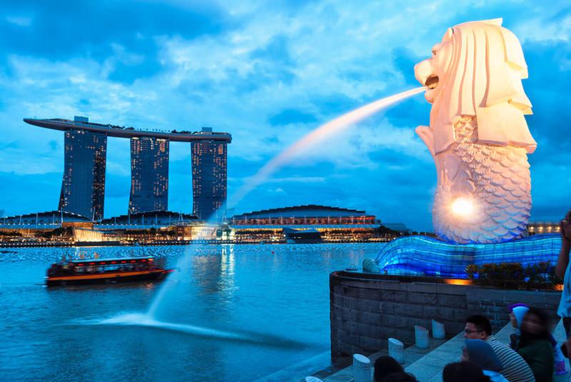 مرلیون پارک سنگاپور در شب
