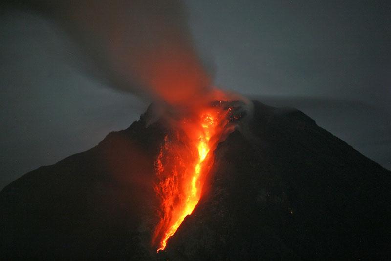 آتشفشان سینابونگ اندونزی