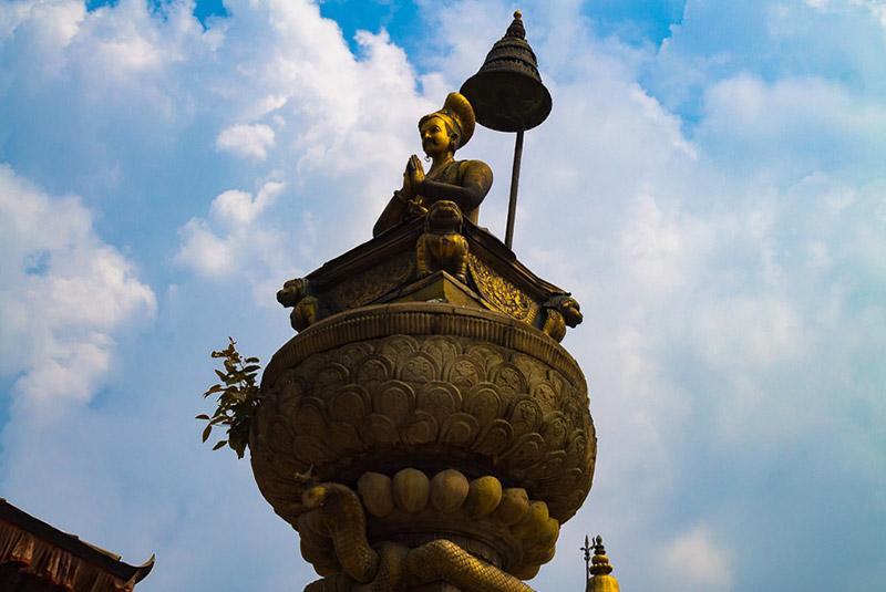 مجسمه شاه بوپاتیندرا مالا در باکتاپور