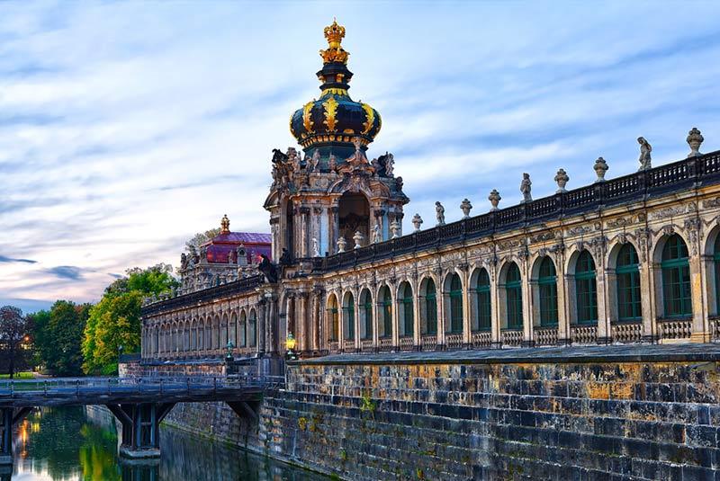کاخ زوئینگر در درسدن