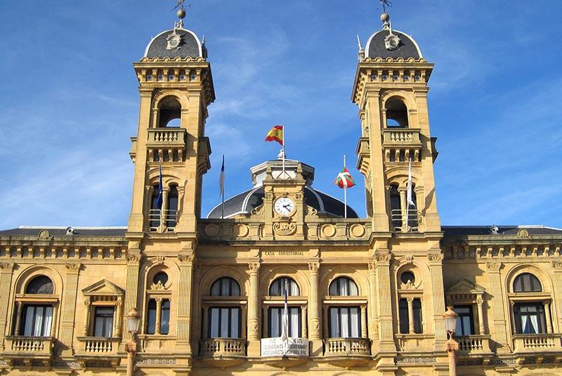 ساختمان شهرداری در سن سباستین