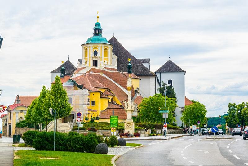 کلیسای کالورینبرگ در هال اشتات