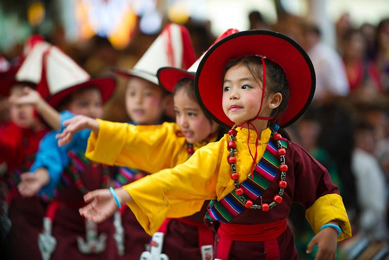 پوشش مردم تبت