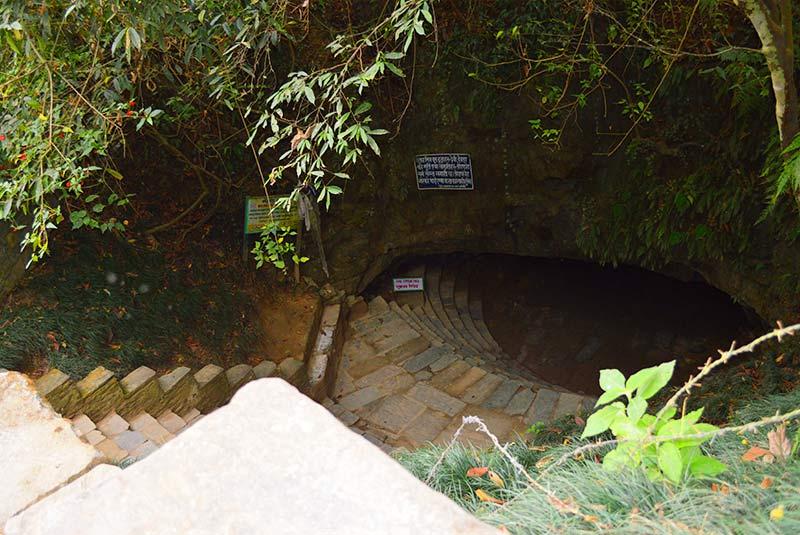 غار ماهندرا در پخارا
