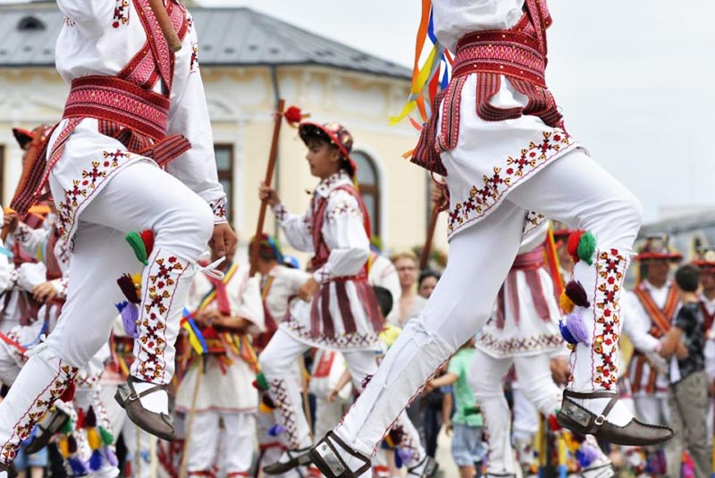 رقص محلی رومانی