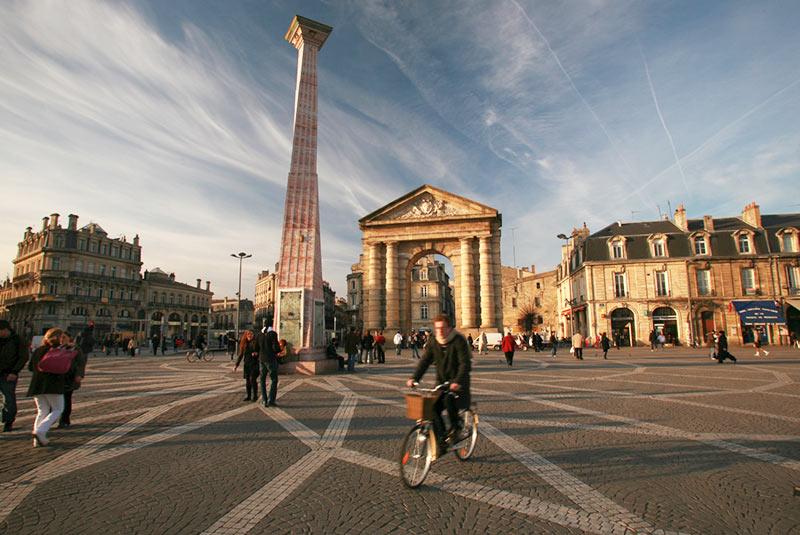 میدان پیروزی در بوردو