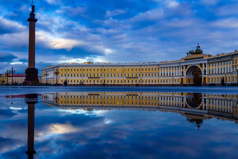 میدان قصر سن پترزبورگ