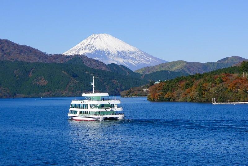 دریاچه آشی ژاپن