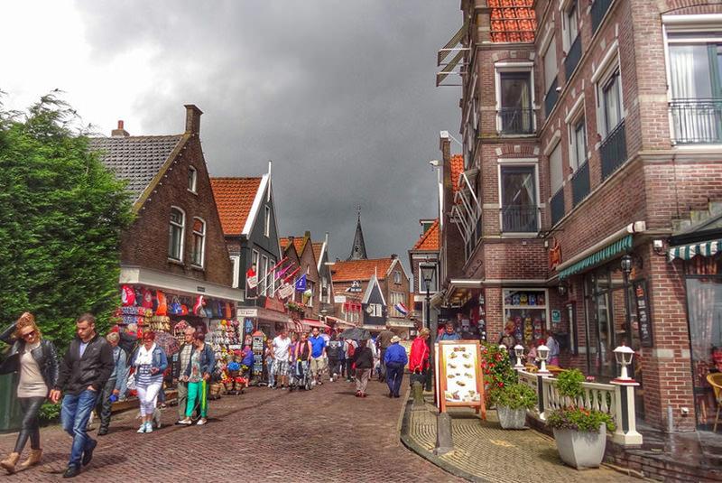 ولندام در آمستردام