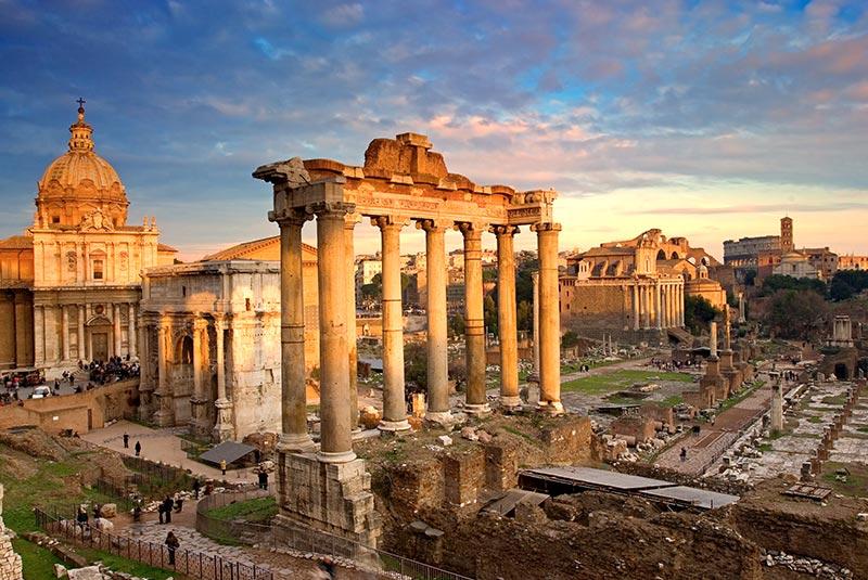 رومن فروم در شهر رم