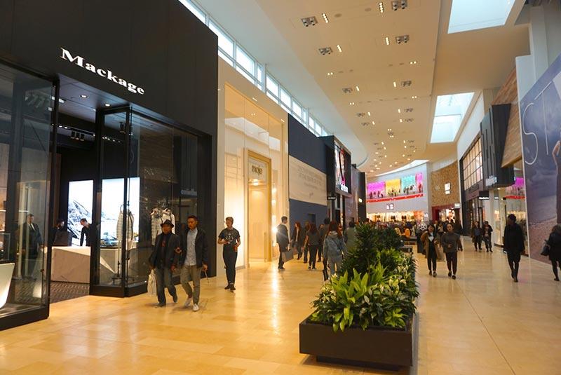 مرکز خرید یورک ویل تورنتو