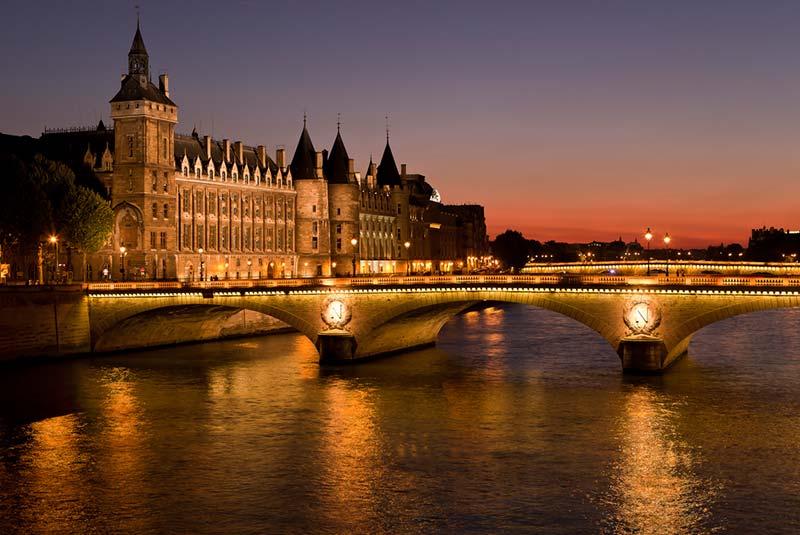دیدنی های عجیب پاریس
