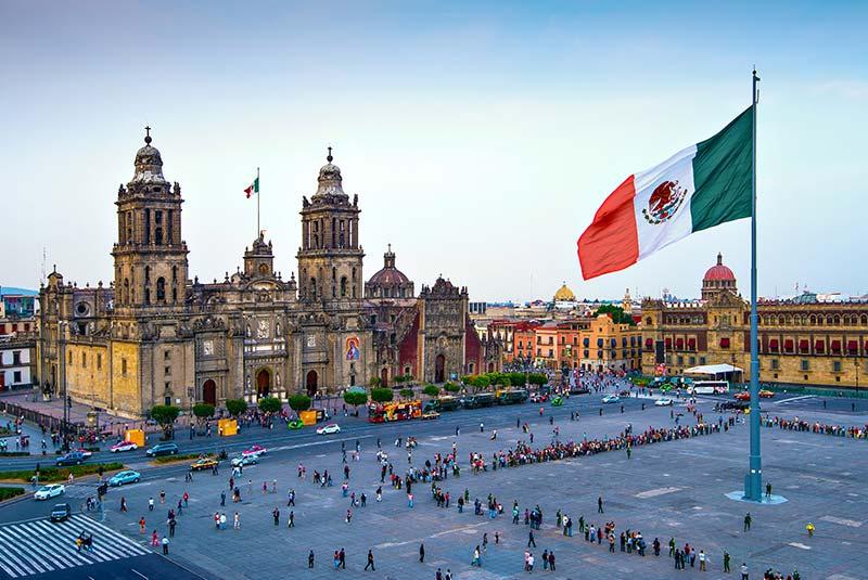 میدان زوکالو مکزیکو سیتی