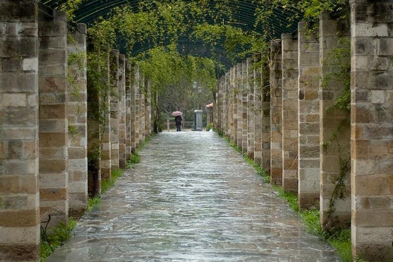 روز بارانی در آتن