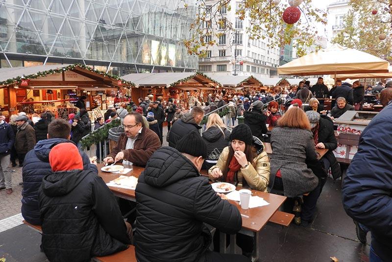 بازارهای کریسمس بوداپست