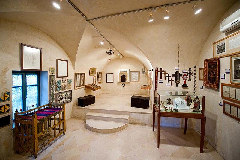 موزه مذاهب در حمامه