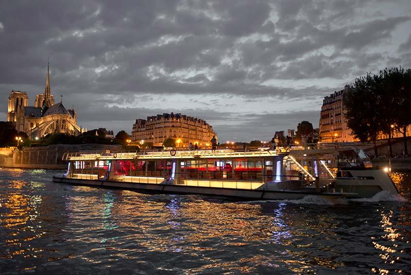 تاکسی در پاریس