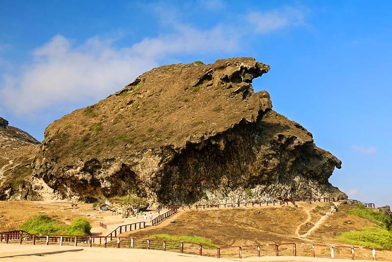 غار مرنیف