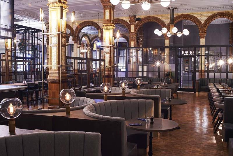رستوران ریفیوجی در منچستر انگلیس