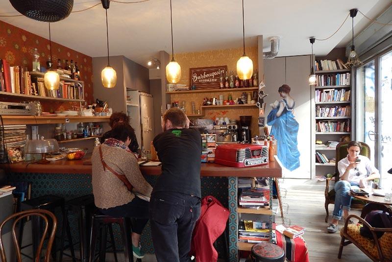 کافه بربوکن در محله بلویل پاریس
