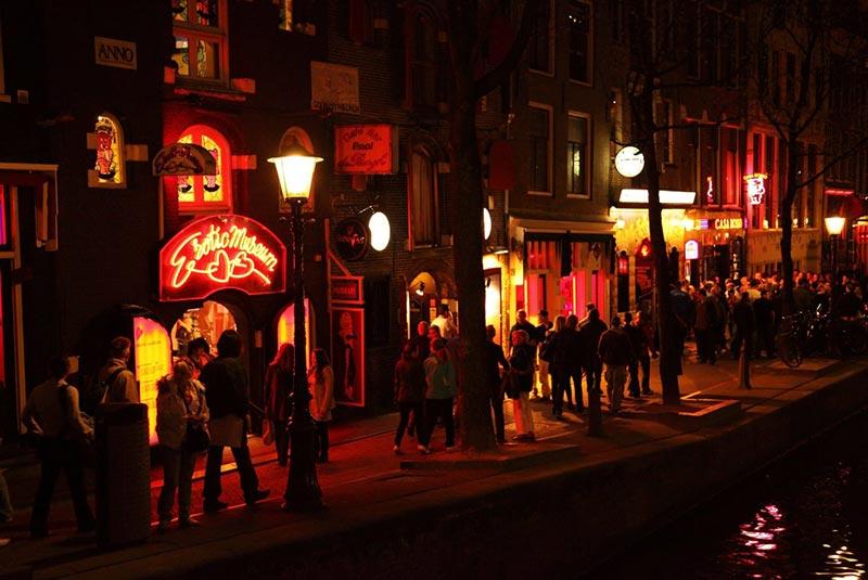 زندگی شبانه در آمستردام