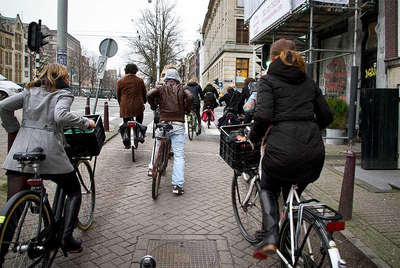 استفاده از دوچرخه در آمستردام