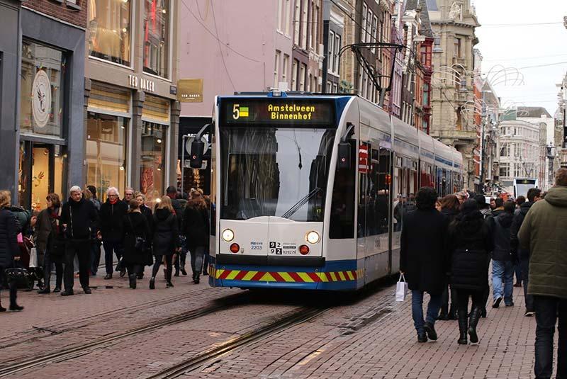 سرویس های حمل و نقل عمومی در آمستردام