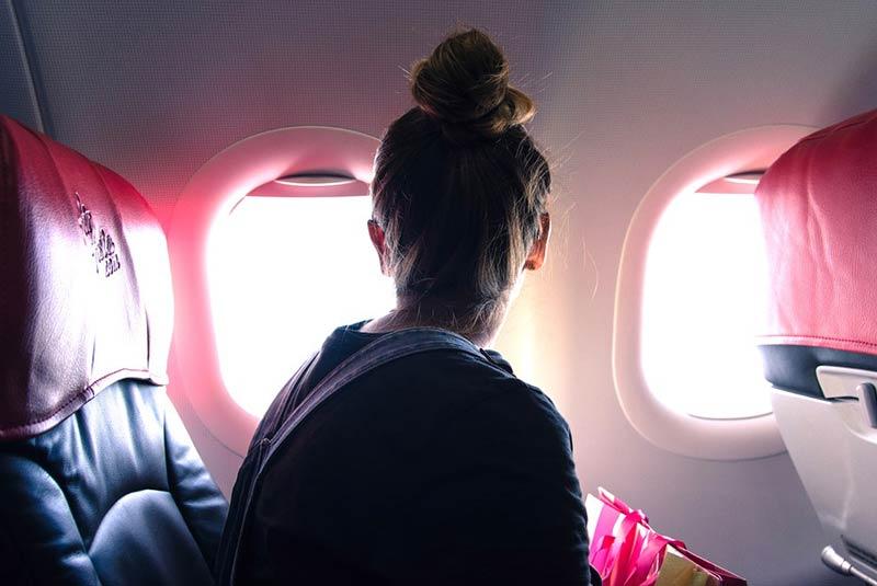 چرا در هواپیما آسان تر به گریه می افتیم؟