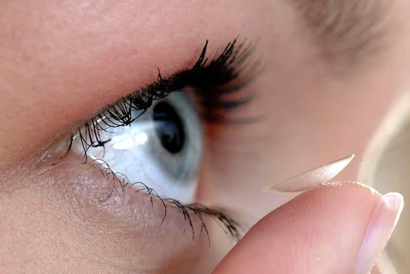 ترجیحا از لنز چشم استفاده نکنید