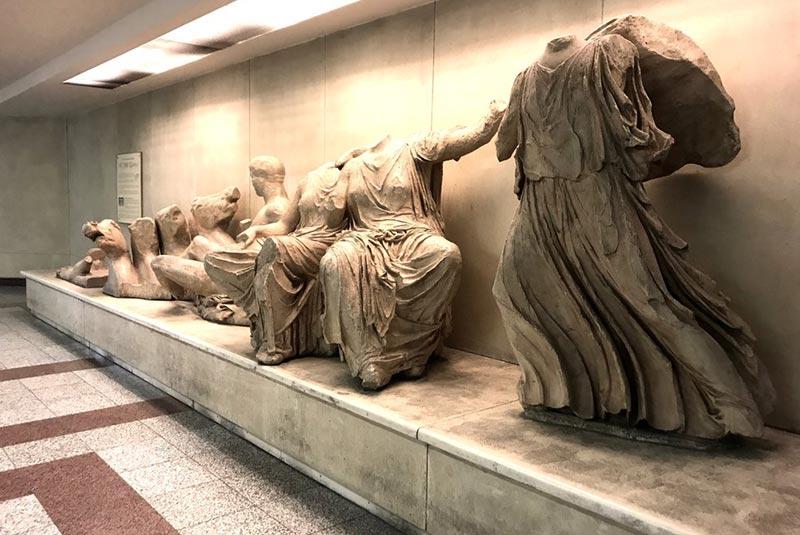 آثار باستانی ایستگاه های مترو