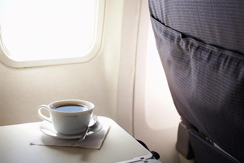 در هواپیما چای یا قهوه ننوشید