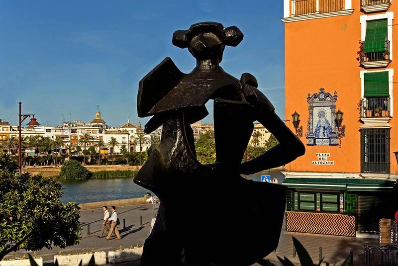 مجسمه ماتادور بلمونته در سویل