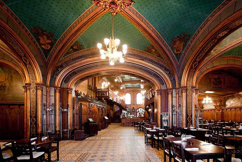 رستوران کارو کو بره بخارست