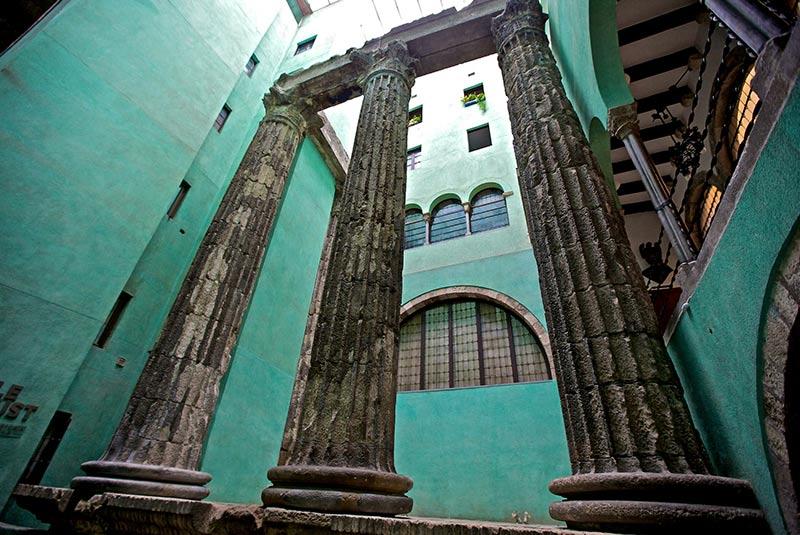 معبد آگوستوس بارسلونا
