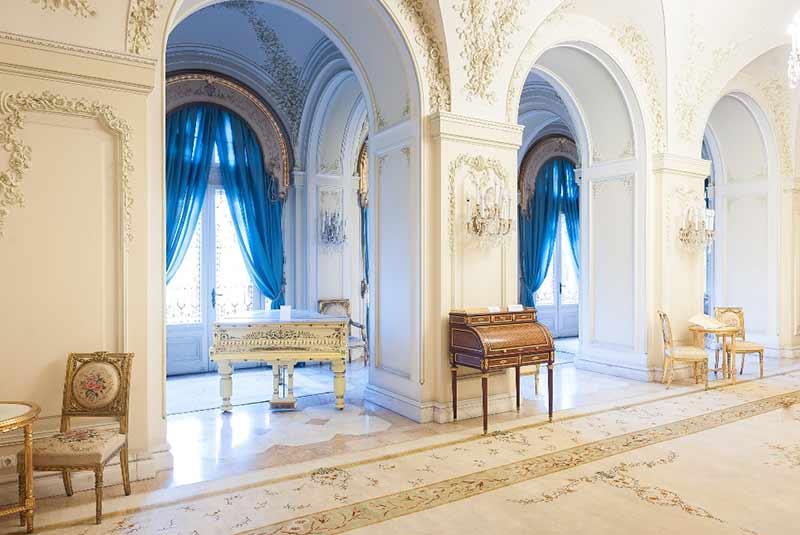 کاخ کوتروچنی بخارست