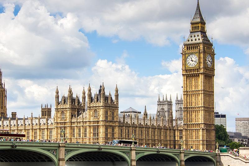 برج ساعت بیگ بن در وست مینستر لندن