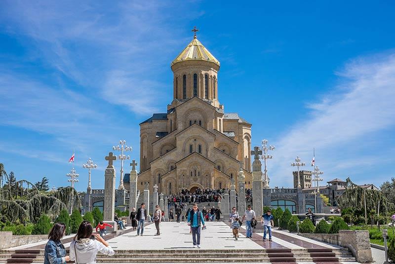 کلیسای جامع تسمیندا سامبا در تفلیس