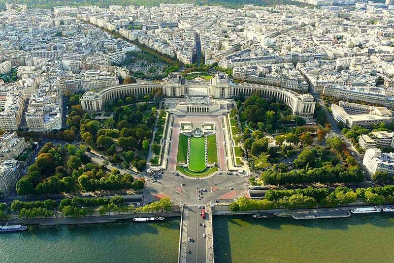 پله دو شایو در پاریس