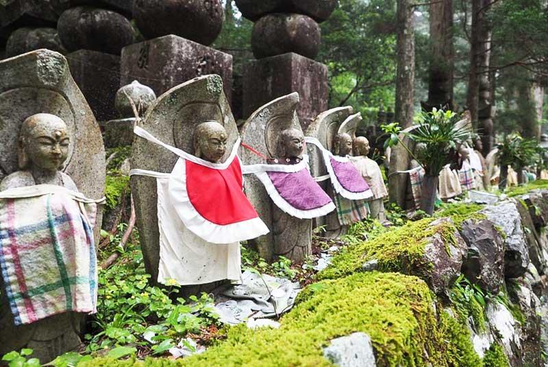 قبرستان اکونو این، ژاپن