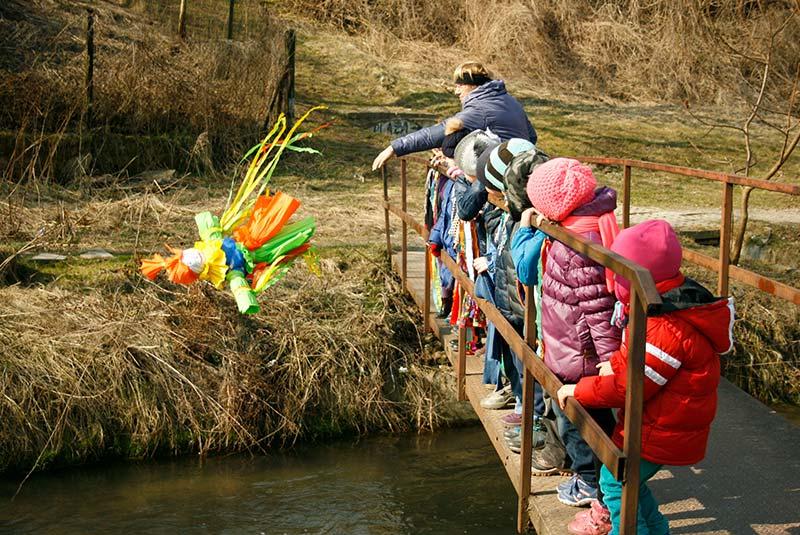 سنت غرق کردن مارزانا - آداب و رسوم لهستان