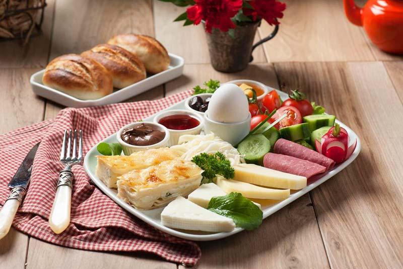 صبحانه در آنتالیا ترکیه
