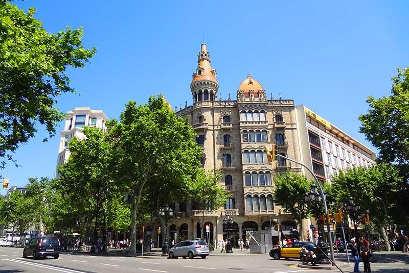میدان طلا در بارسلونا