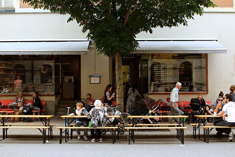 شیرینی فروشی باگری پیتروس در استکهلم